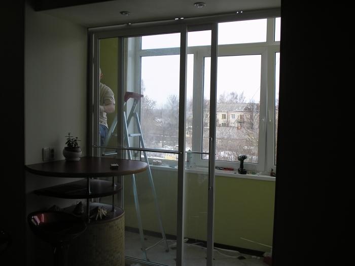 Раздвижные окна и двери на балкон..